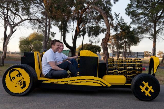 fullsize-lego-car-02