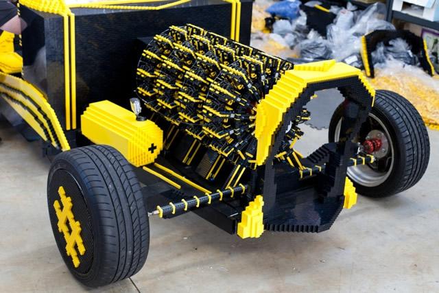 fullsize-lego-car-03