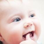 歯並びや発音にも悪影響! 子供の指しゃぶりと歯の関係