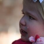子どもが幼稚園で他の子と遊べない! ママはどう対応すればいい?