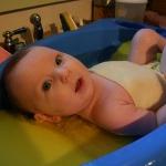 赤ちゃんがお風呂に入る時の便利なグッズ【ベスト3】